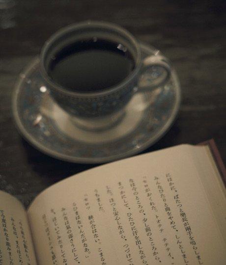 コーヒーと読書はセットです!本の街、神保町の喫茶店