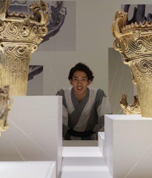 特別展「縄文ー1万年の美の鼓動」へ! 国宝「合掌土偶」が面白い|尾上右近の日本文化入門