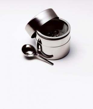 便利な茶道具「新・ステンレス製の抹茶篩缶 ミニ」