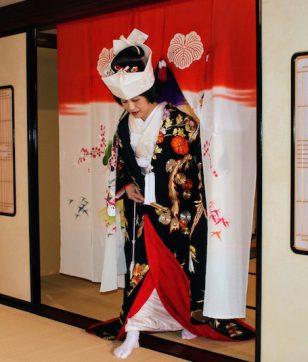 使うのはたった一度きり! 加賀藩の婚礼文化「花嫁のれんくぐり」を体験してみました