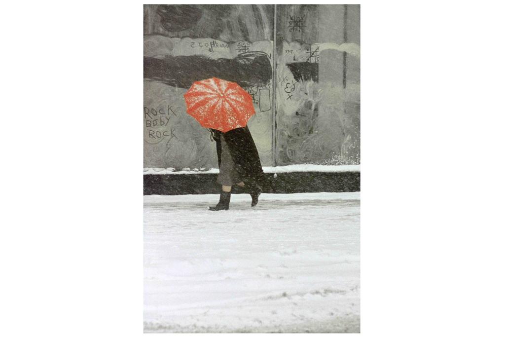 ソール・ライター《赤い傘》