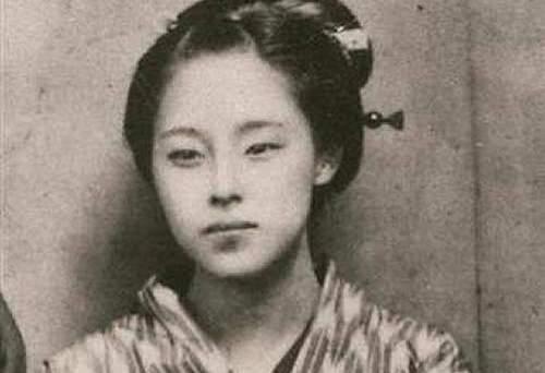 シーボルトの娘で日本初の女性産科医、楠本イネと孫・高子。ふたりの美女の波乱の人生とは